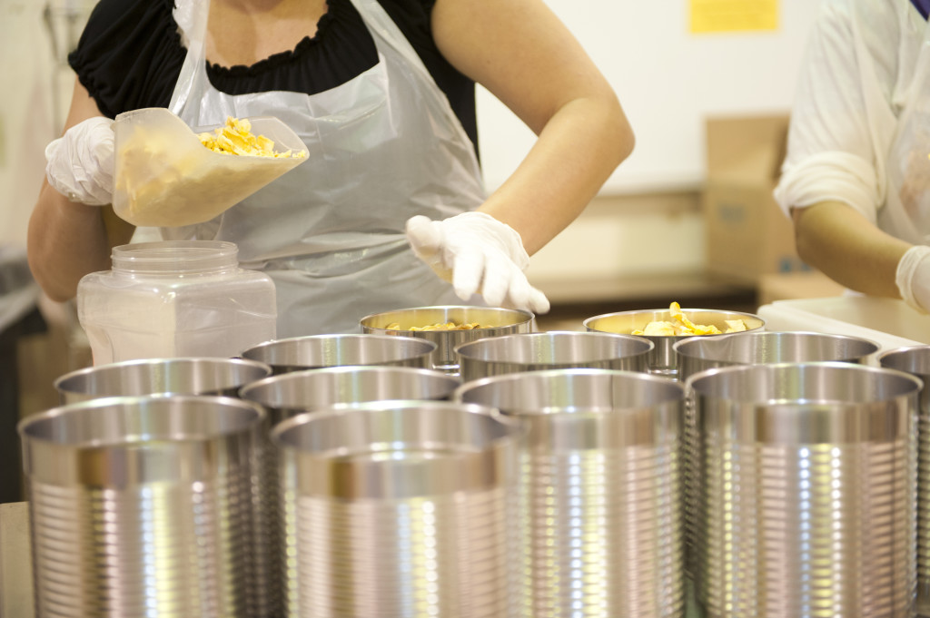 Packaging-Food-At-the-Cannery